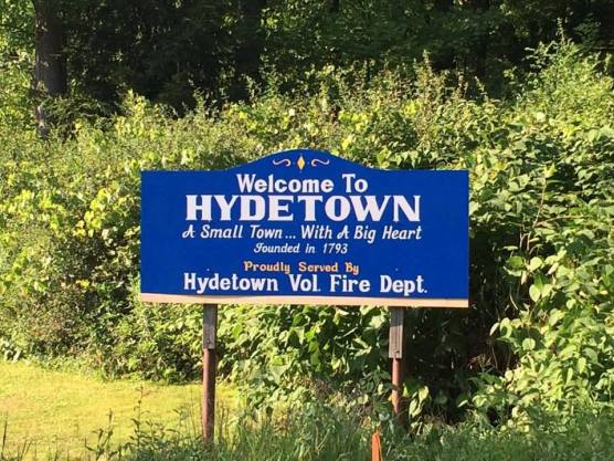 Hydetown Sign